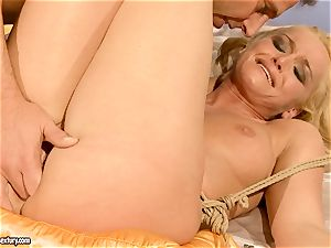steaming Kathia Nobili gets her cunny filled with bone