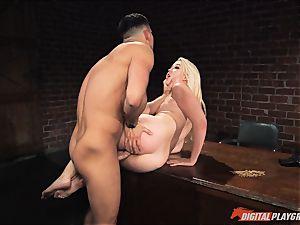 Samantha Rone gets her fuckbox fucked in rock hard