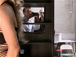 wondrous cop Samantha Saint caught boinking the public