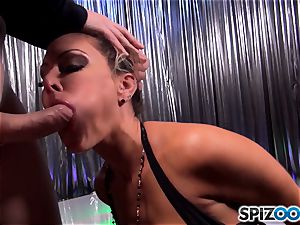 Facializing crazy dark-haired Jessica Jaymes