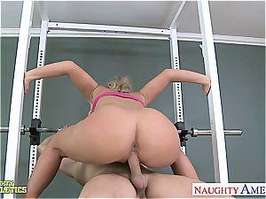 Sporty ash-blonde Phoenix Marie fucking