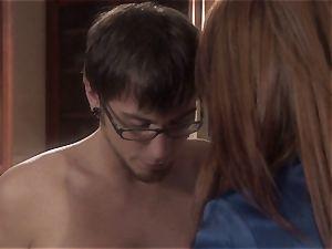 mummy stunner Raquel Devine spills this lucky guy
