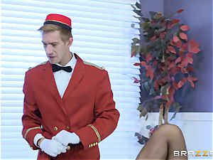 Real crazy cougar Phoenix Marie gets deep service in motel room