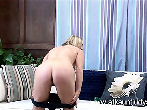 blond mom Maggie Green gets off with an vibrator.