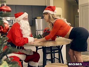 Santa's insane Helpers In Christmas 3some S9:E7