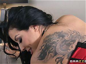 Phoenix Marie presents Kiara Mia to buttfuck