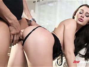Lana Rhoades Gets Her puss nailed