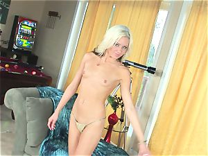 uber-sexy Kacey Jordan can't wait to stuff her succulent rosy muff with a stiff toy