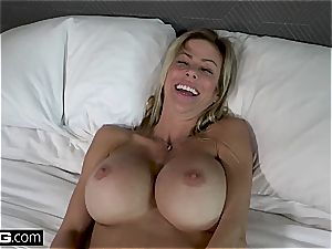 ultra-kinky milf with fat bumpers gets splashed with cum