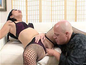 fortunate Starr juggles her wet puss on this rock-hard chisel