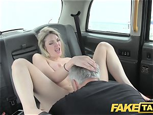 faux cab super steaming blond with a superb body likes trunk