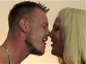 XXXOmas - insane fuck-a-thon with mature German ash-blonde unexperienced