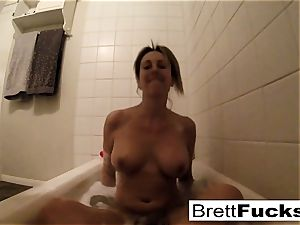 Brett Rossi takes a super-steamy bath that makes her real wild
