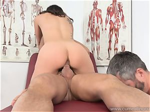 Jade Nile Has Her spouse blow stiffy and observe Her