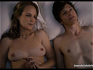 Heavenly Helen Hunt has a smoothly-shaven puss for viewing