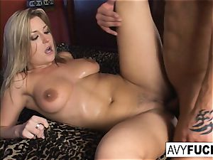Avy Scott takes on a ample wood