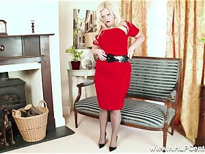 bodacious blondie milks in grey nylons and high heels
