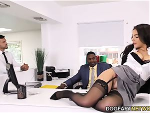 dark-hued Immigration Officer Wants Valentina Nappi's butt