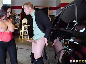 red-hot cop Ava Addams takes advantage of a opportunity capture